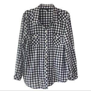Torrid Black and White Long Sleeve Button Down 2